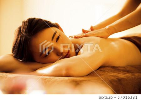 エステ 女性 ビューティー 美容 エステサロン 57016331