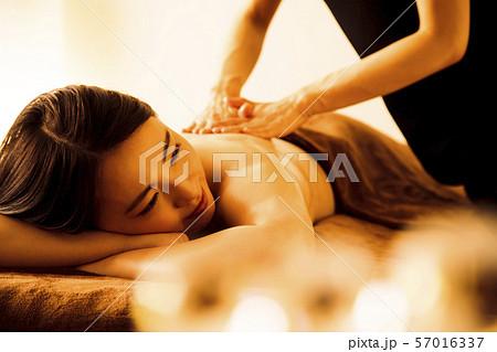 エステ 女性 ビューティー 美容 エステサロン 57016337