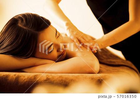 エステ 女性 ビューティー 美容 エステサロン 57016350