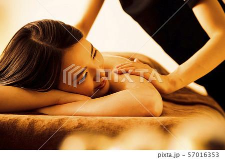 エステ 女性 ビューティー 美容 エステサロン 57016353