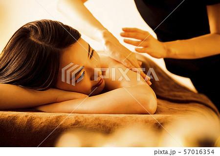 エステ 女性 ビューティー 美容 エステサロン 57016354