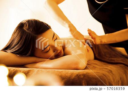 エステ 女性 ビューティー 美容 エステサロン 57016359