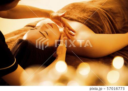 エステ 女性 ビューティー 美容 エステサロン 57016773