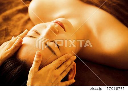 エステ 女性 ビューティー 美容 エステサロン 57016775