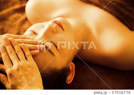 エステ 女性 ビューティー 美容 エステサロン 57016776