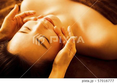 エステ 女性 ビューティー 美容 エステサロン 57016777