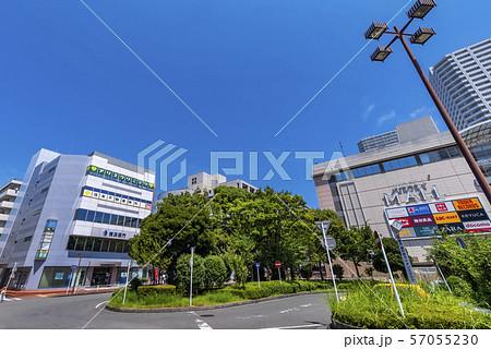 東戸塚駅東口のロータリー 57055230