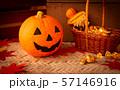 ハロウィン カボチャ お菓子 おもちゃカボチャ ハロウィーンイメージ 57146916
