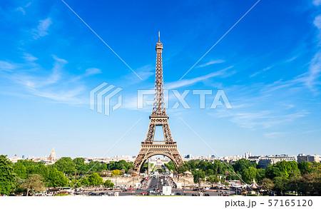 世界遺産 パリのセーヌ河岸 エッフェル塔 57165120