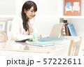 在宅ワーク テレワーク 女性 働き方改革 ライフスタイル 57222611