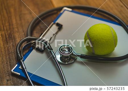 テニス 57243235