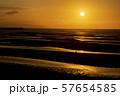 真玉海岸の夕日 57654585