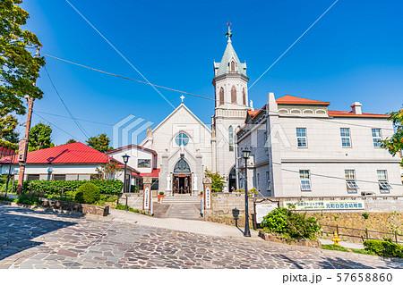 北海道の夏の風景 函館 カトリック元町教会 57658860