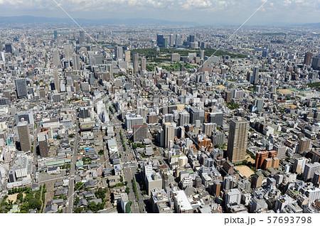 大阪市街を空撮 57693798