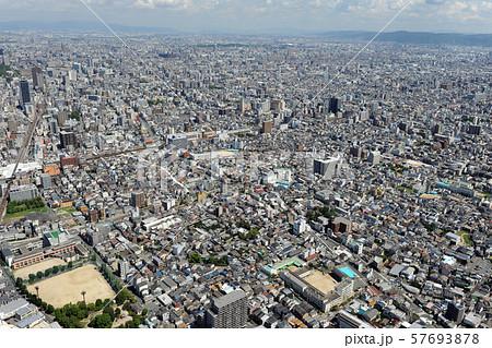 大阪市街を空撮 57693878