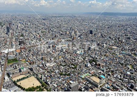 大阪市街を空撮 57693879