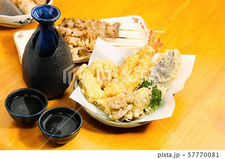 日本酒と和食_居酒屋料理 57770081