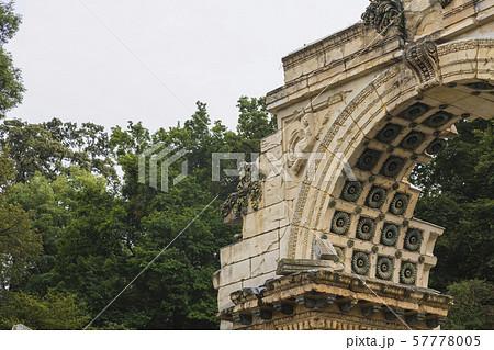 オーストリア ウィーン シェーンブルン宮殿 ローマの廃墟 57778005