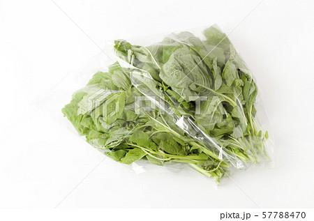 アマランサスの葉(葉野菜)袋入り 57788470