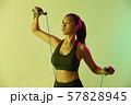 女性 スポーツ アスリート  57828945