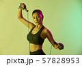 女性 スポーツ アスリート  57828953