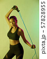 女性 スポーツ アスリート  57828955