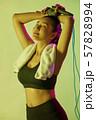 女性 スポーツ アスリート  57828994