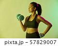 女性 スポーツ アスリート 57829007