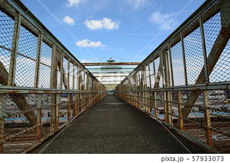 三鷹跨線人道橋 57933073
