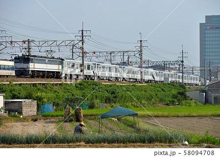 東海道線を行くEF652086東京メトロ13000系甲種輸送 58094708
