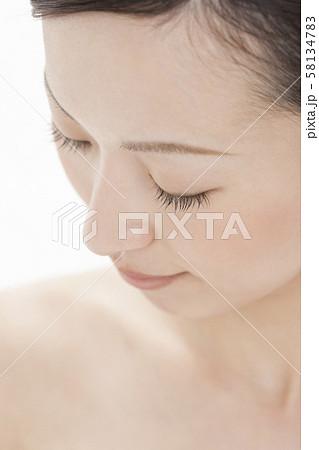 若い女性 ビューティー 58134783