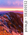 朝の白馬岳モルゲンロート 58150552