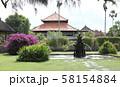 タマン・アユン寺院の庭 58154884