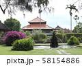 タマン・アユン寺院の庭 58154886
