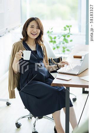 妊婦 ビジネス 58183327
