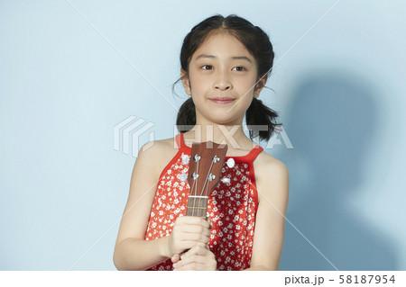 子供 ライフスタイル 音楽 58187954