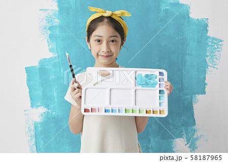 子供 ライフスタイル 絵描き 58187965