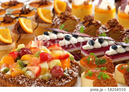 ケーキ スイーツ フルーツケーキ おやつ デザート フルーツ ケーキ集合 ケーキブッフェ ブッフェ  58208550