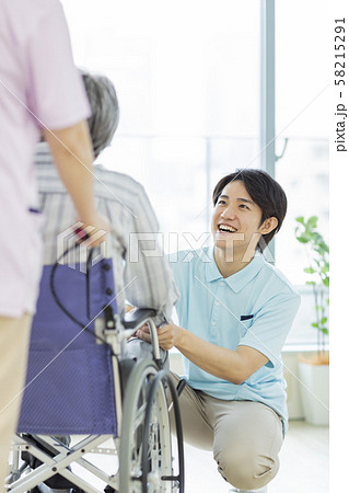 介護士 58215291