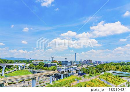 大阪モノレール 万博記念公園駅付近  58310424