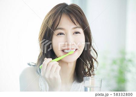 ビューティー 歯磨き 58332800