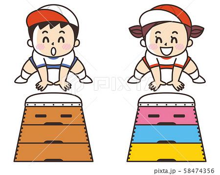 跳び箱を飛ぶ子供 58474356