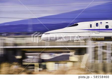 東海道新幹線 車両 流し撮り 58558460