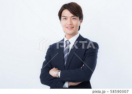 若いビジネスマン 58590307