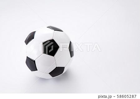 サッカーボール 58605287