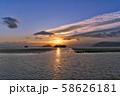 【琵琶湖 (夕刻)】 滋賀県長浜市湖北町延勝寺 58626181