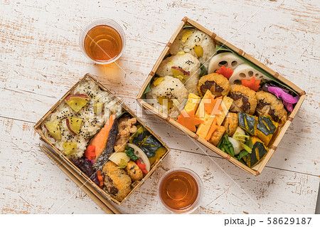 ピクニックのおべんとう Picnic lunch (outdoor bento) 58629187