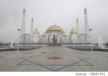 テュルクメンバシュ・ルーフ・モスク 魂のモスク 58687481