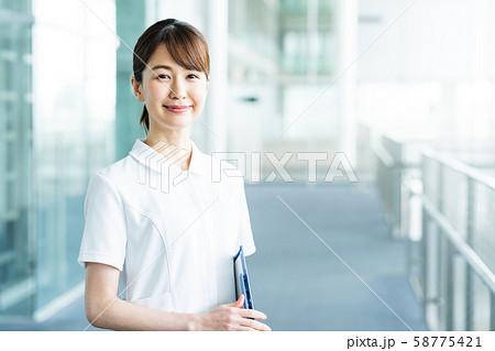 病院 医療 看護師 ナース 58775421