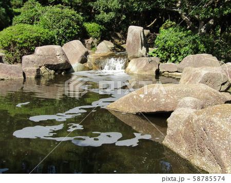 稲毛海浜公園の小さな滝 58785574